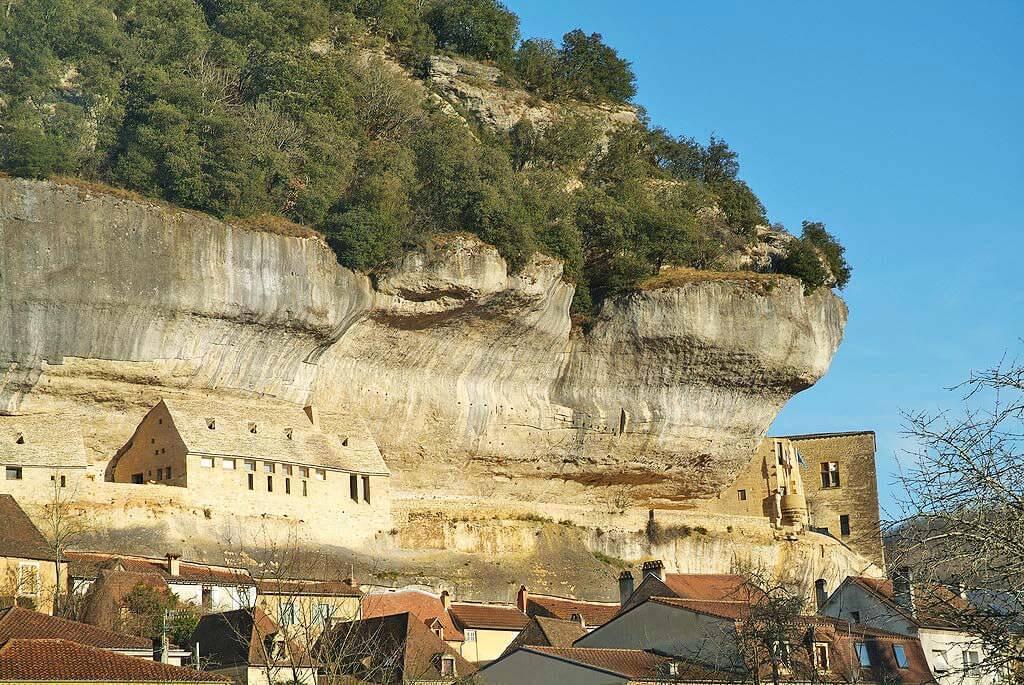 les-eyzies-grottes