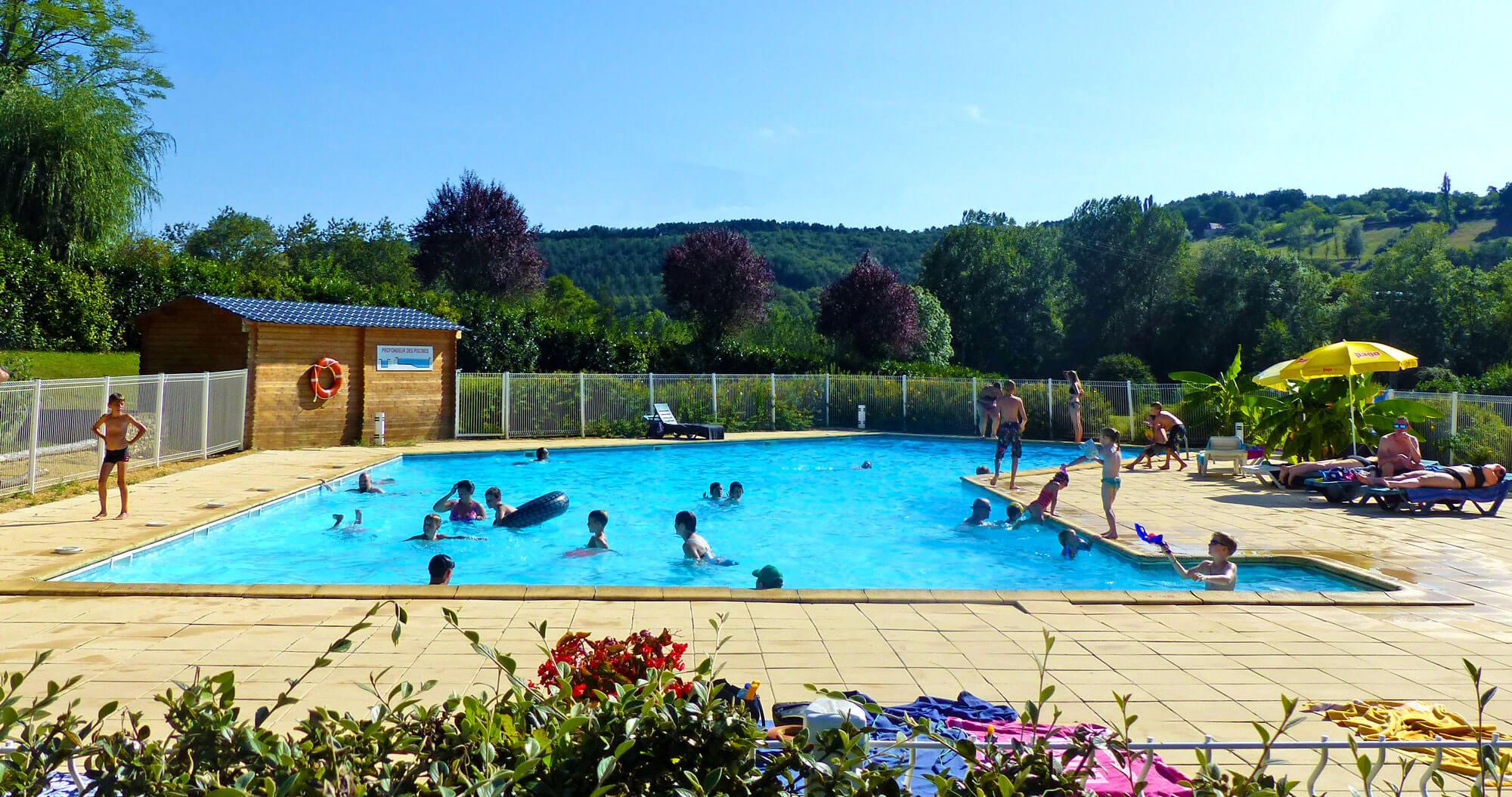 camping avec piscine Castelnaud-la-Chapelle